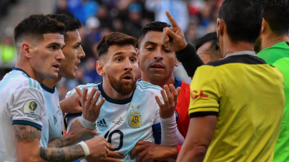 Domínguez rompió el silencio tras la polémica con Lionel Messi en la Copa América 2019
