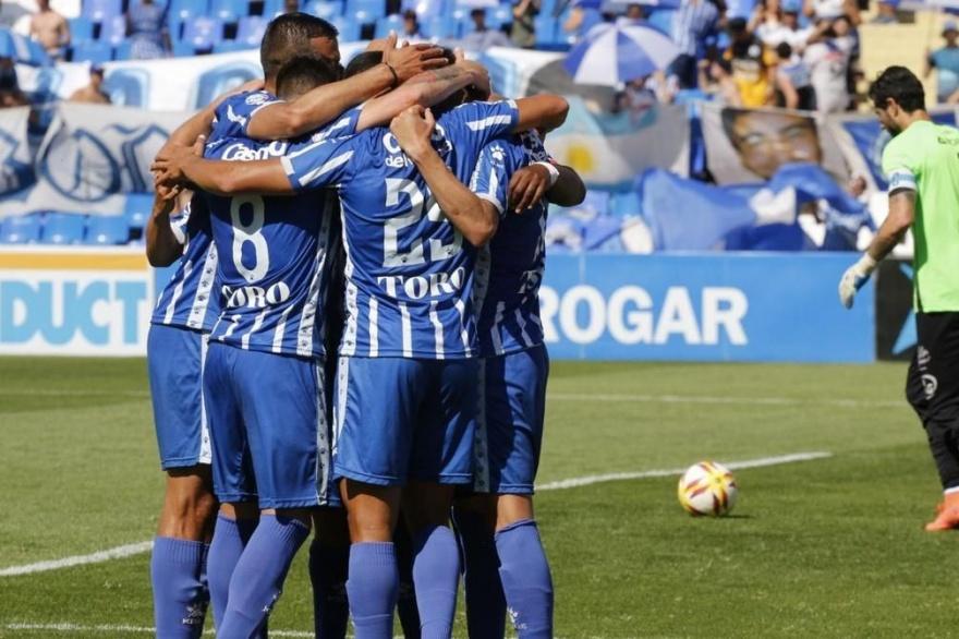 ¿Marcha atrás?: se postergaría la vuelta del fútbol argentino