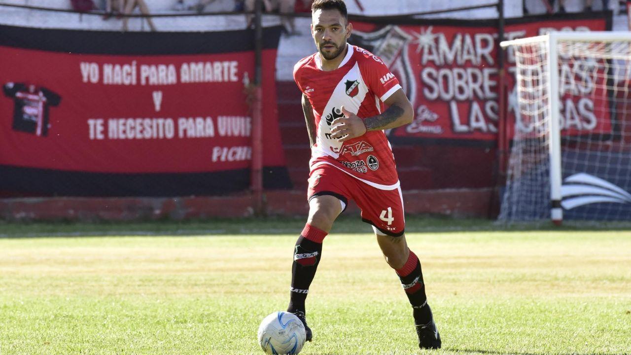 Alexis Viscarra renovó su vínculo y seguirá en el Deportivo Maipú