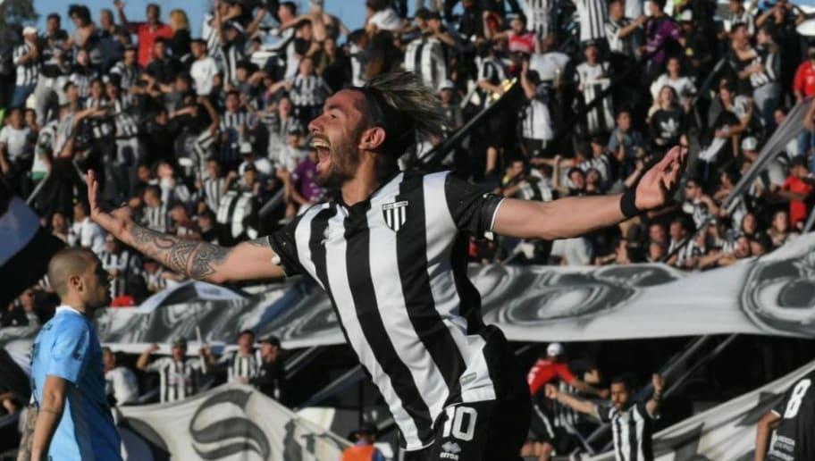 Un equipo de la Primera Nacional va a la carga por Patricio Cucchi