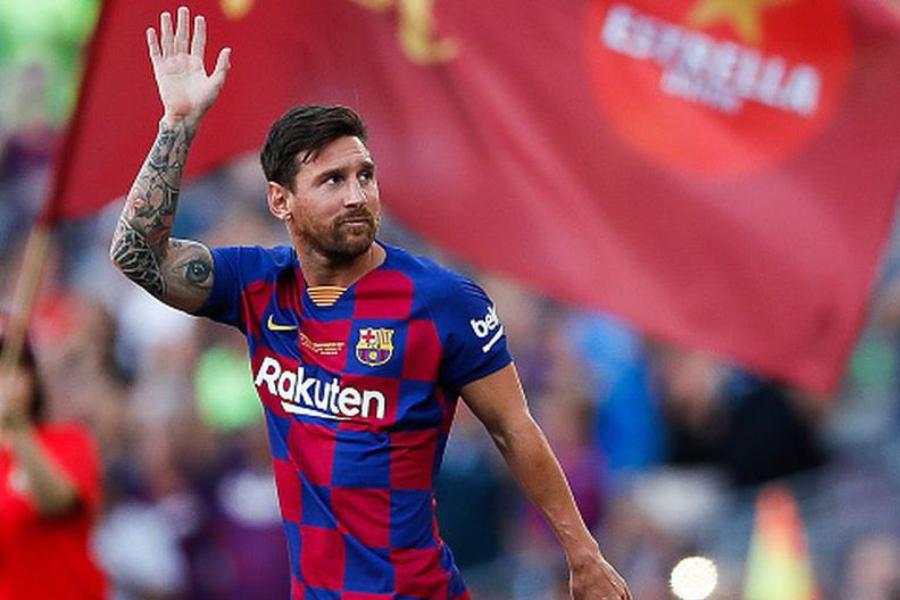 Messi se presentará en Barcelona a la espera de definir su futuro