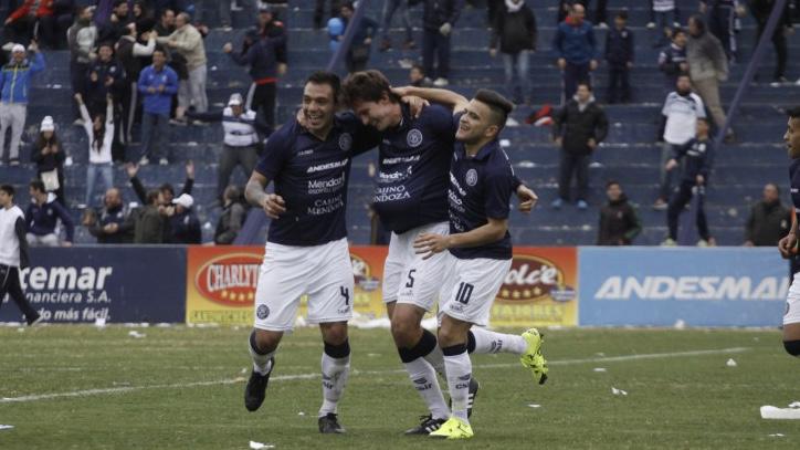 Dos jugadores muy queridos pornla gente a un paso de volver a Independiente Rivadavia
