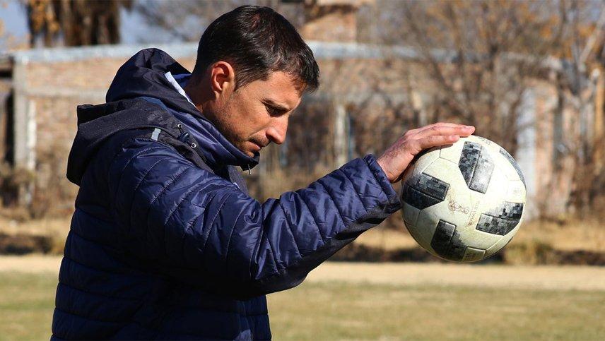 Luciano Theiler se prepara para pelear el ascenso con el Deportivo Maipú