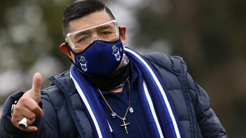 Maradona volvió a los entrenamientos con Gimnasia