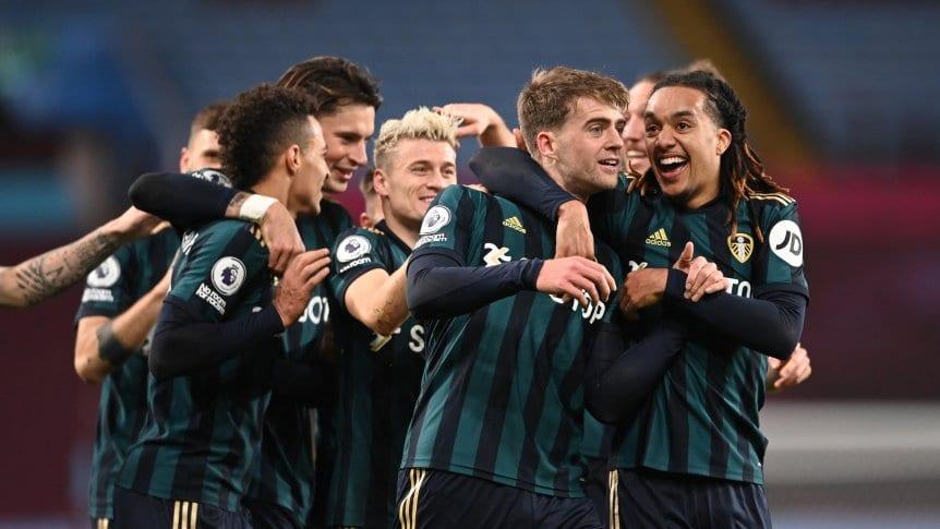 Leeds goleó 3 a 0 a Aston Villa como visitante