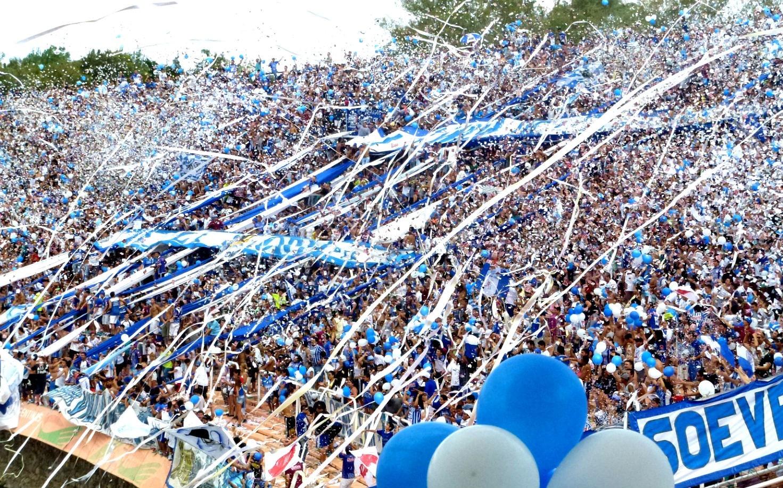 Los hinchas de Godoy Cruz preparan una fiesta para recibir al equipo ante River