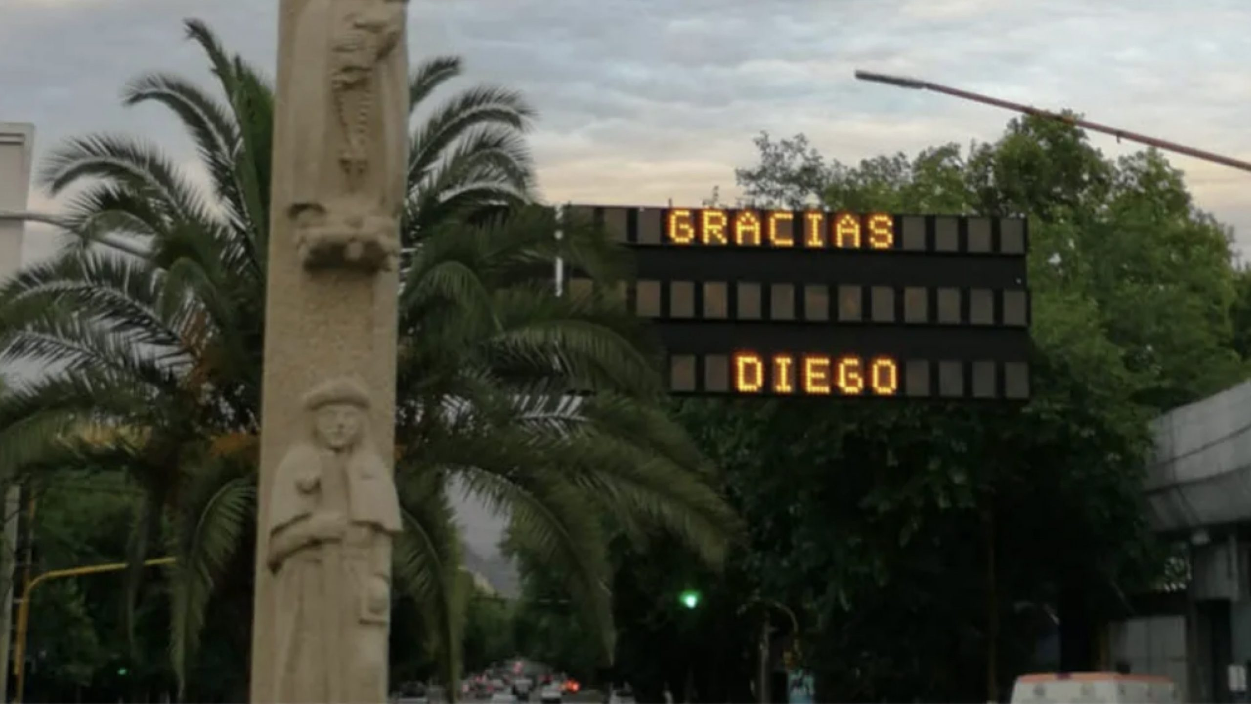 Las calles de Mendoza despiden a Diego Armando Maradona