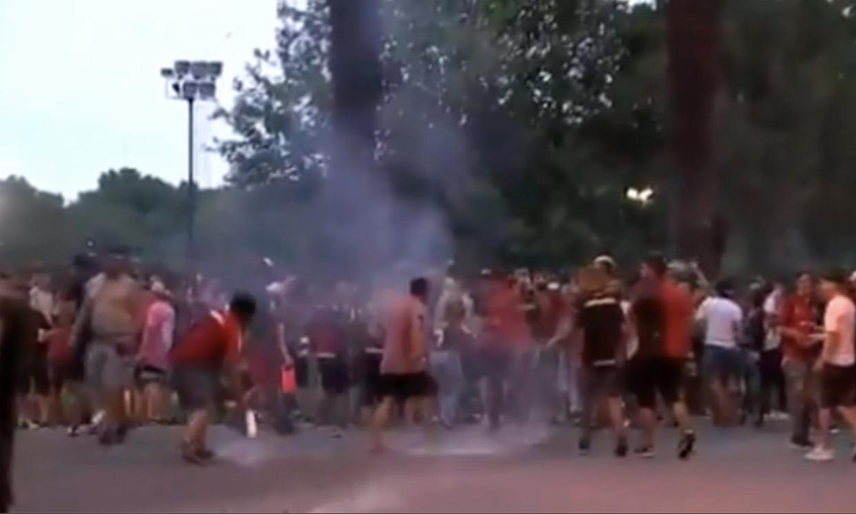 Video: corridas y disturbios en la previa de Newell's vs Boca