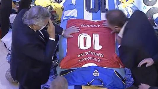 Video: la emoción de Alberto Fernández al despedir a Maradona