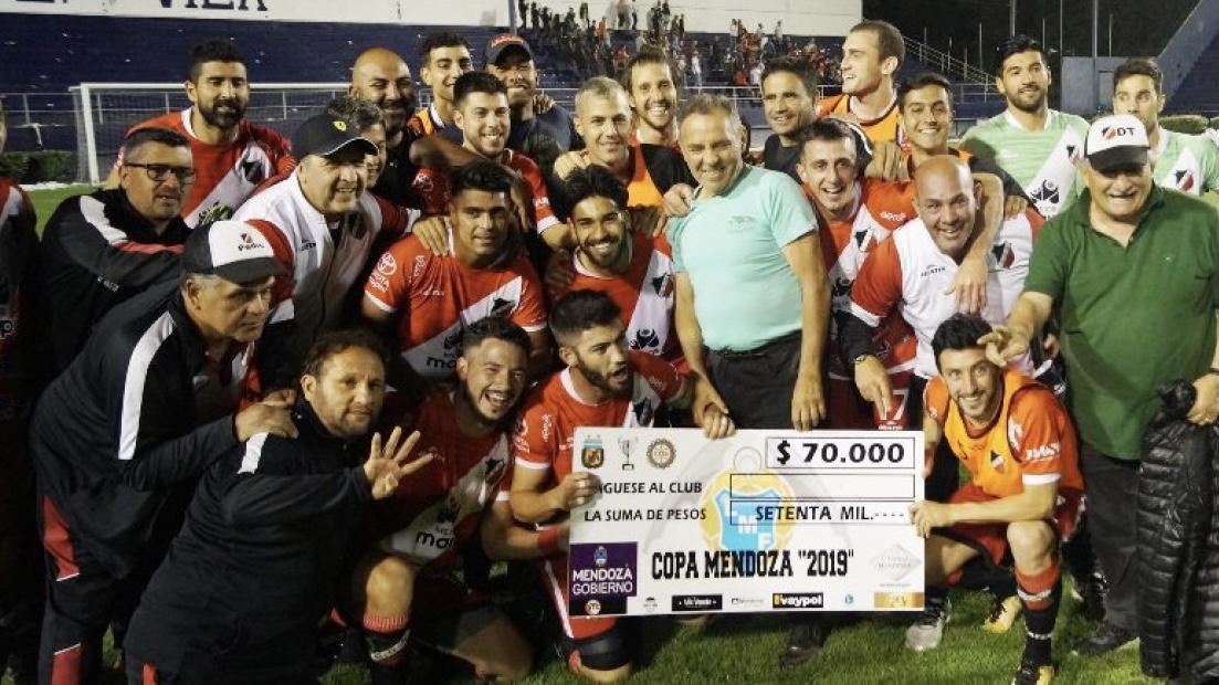 Maipú goleó 4 a 0 a la Lepra en los cuartos de final de la Copa Mendoza