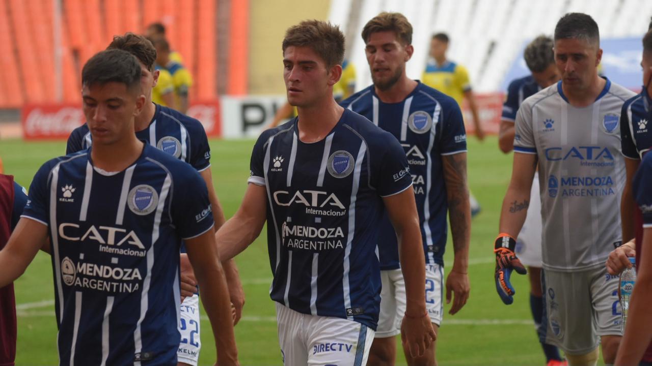 El enojo de los hinchas de Godoy Cruz por el presente en Primera División