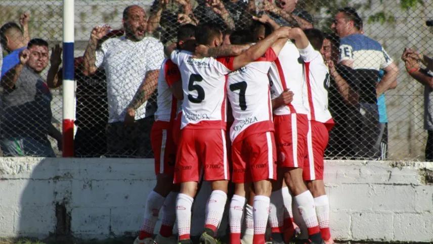 La goleada de Huracán Las Heras a Peñarol en San Juan