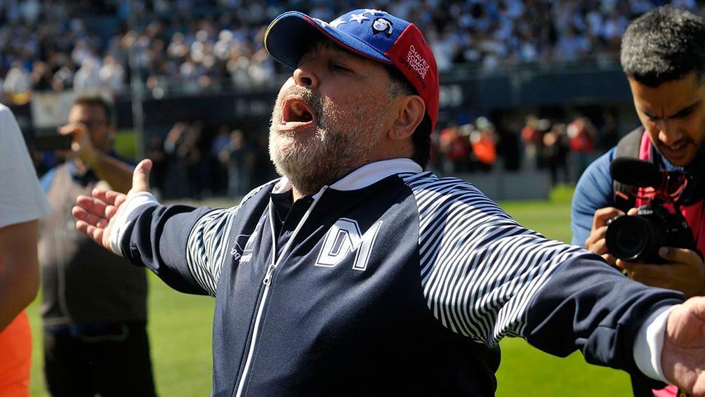 El mundo le desea fuerzas a Diego Maradona
