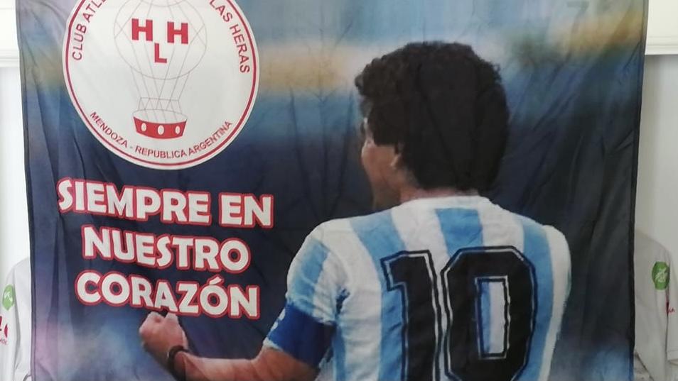 El homenaje de Huracán Las Heras a Diego Armano Maradona