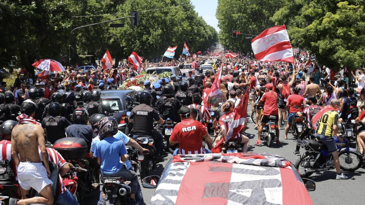Fotos y videos: la emocionante y multitudinaria despedida para Alejandro Sabella