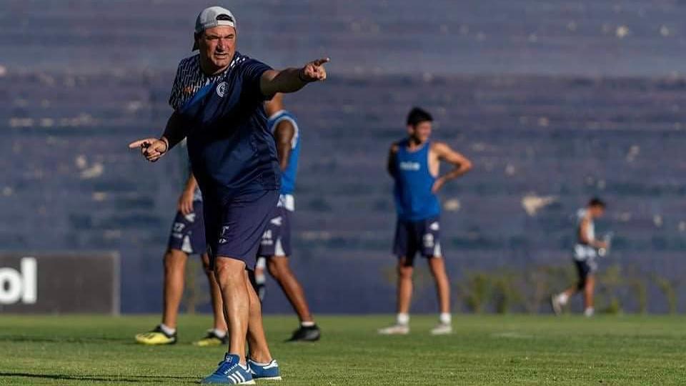 Marcelo Straccia y uno de los peores comienzos en la historia de Independiente Rivadavia