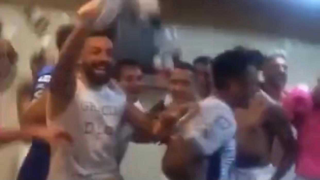 Vídeo: así fue el eufórico festejo de la Lepra en el vestuario