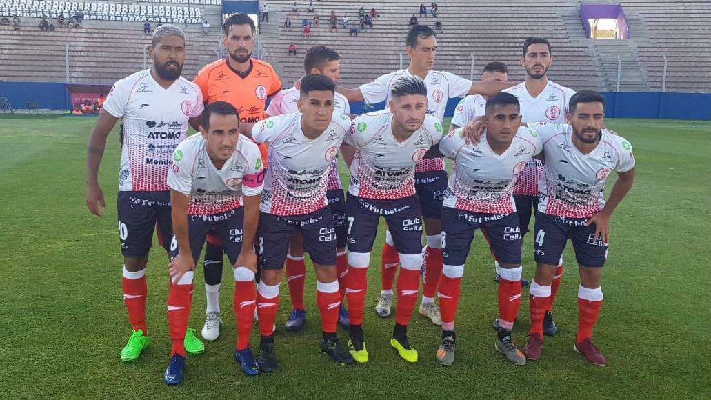 Huracán Las Heras, el único equipo mendocino que ganó y no perdió