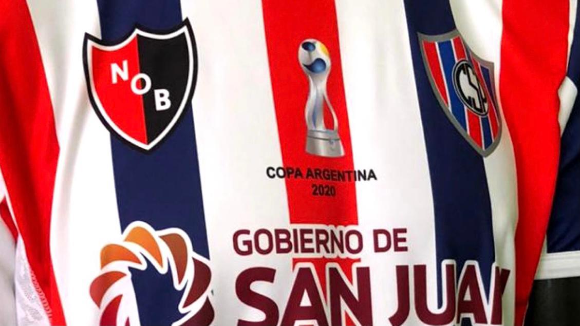 Peñarol de San Juan presentó su nueva camiseta y estallaron las redes sociales