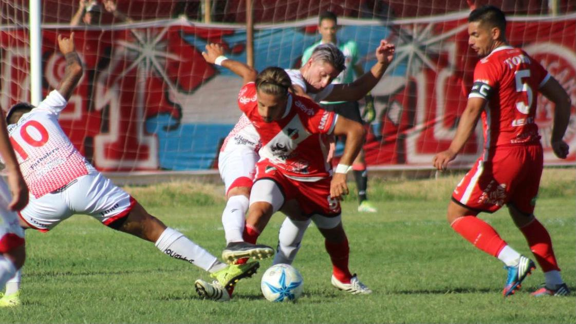 Maipú le ganó 1 a 0 a Huracán Las Heras