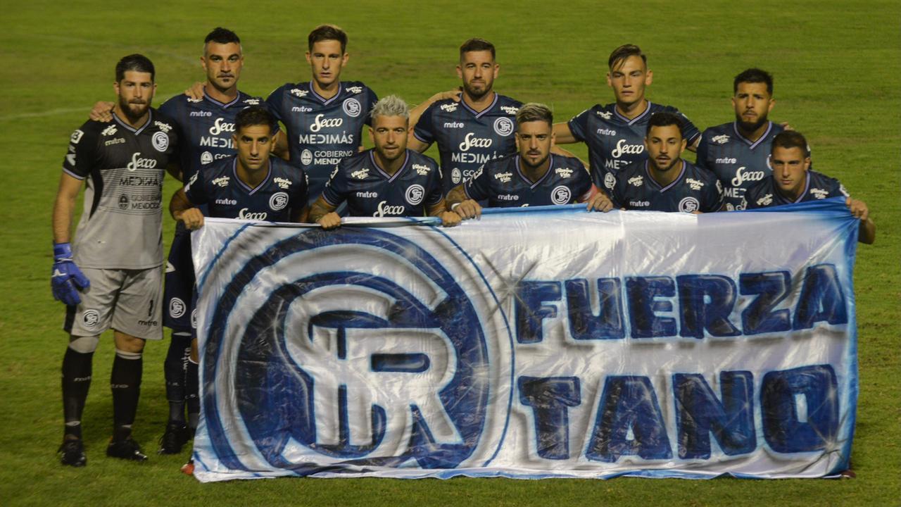 Independiente Rivadavia empató y sigue siendo puntero