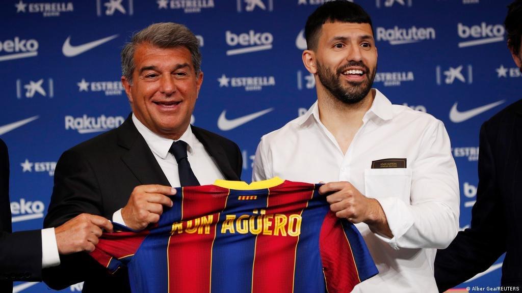 Bomba: el Kun Agüero piensa rescindir su contrato con el Barcelona tras la salida de Messi