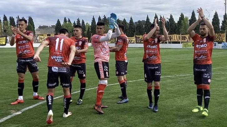 Huracán Las Heras perdió 2 a 0 ante Deportivo Madryn