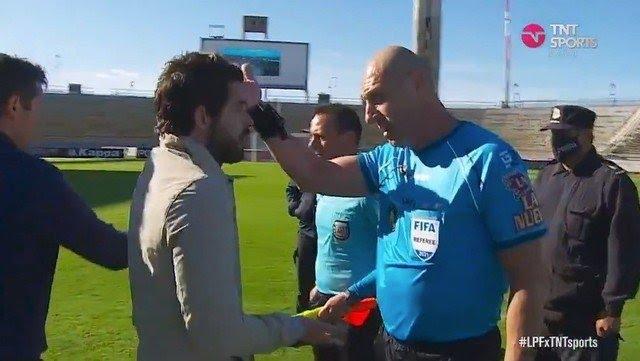 Video: la burla de un árbitro a Gago luego del 4 a 1 ante Godoy Cruz