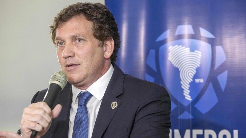 Un importante dirigente de la Conmebol renunció a su cargo