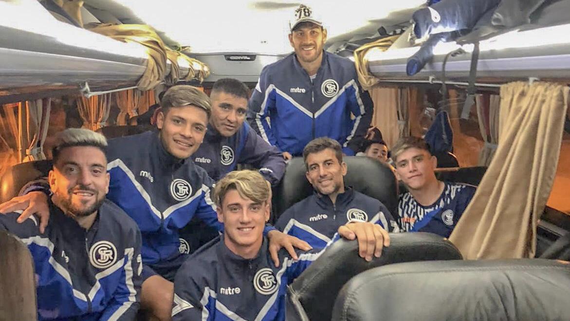 Independiente Rivadavia llegó a Buenos Aires para enfrentar a Barracas Central
